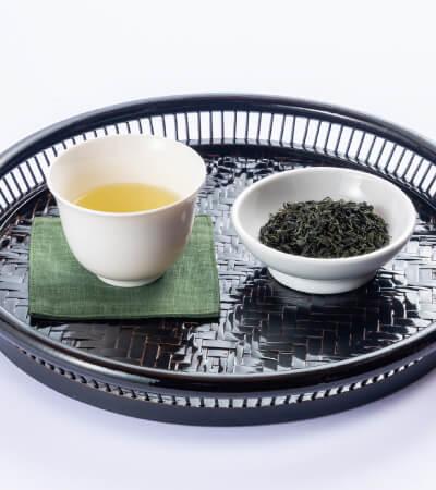 嬉野山芳釜炒茶「葉と日と火」